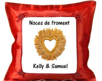 Red pillow personalized with name froment wedding