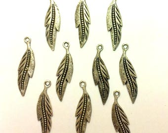 Set of 20 sheets - T36 silver feather charms