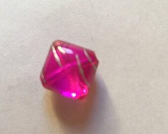 17 mm dark pink diamond-shaped acrylic beads
