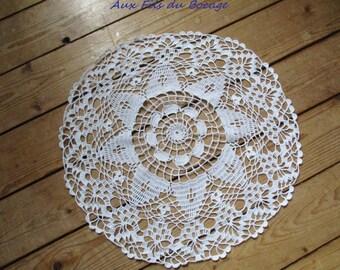 White cotton crochet doily, 38cm