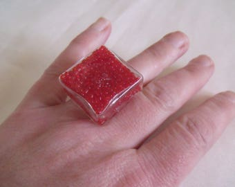 ring globe square glass red seed beads