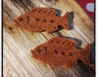 set of 2 fish in brown felt