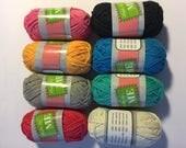 Pelotes de coton mercerisé (lot de huit petites pelotes) idéal pour broderie, crochet ou toutes idées créatives