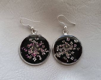 Round large size 2.5 cm purple/white dried flower earrings