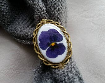 Bronze Retro resin ring with dried dark blue pansy flower