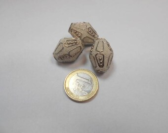 3 white Indonesian beads
