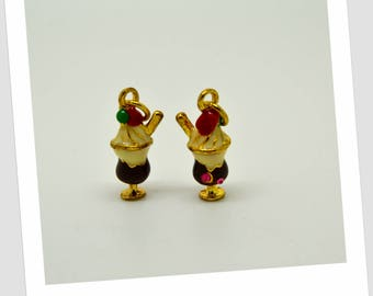 2 charms cut ice gold metal