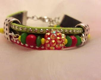 Nice leather/suede/chain/pearl bracelet in Christmas colors