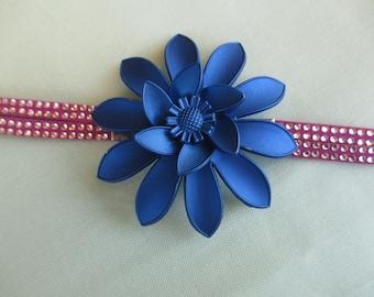 A little blue flower.. .this cute bracelet!