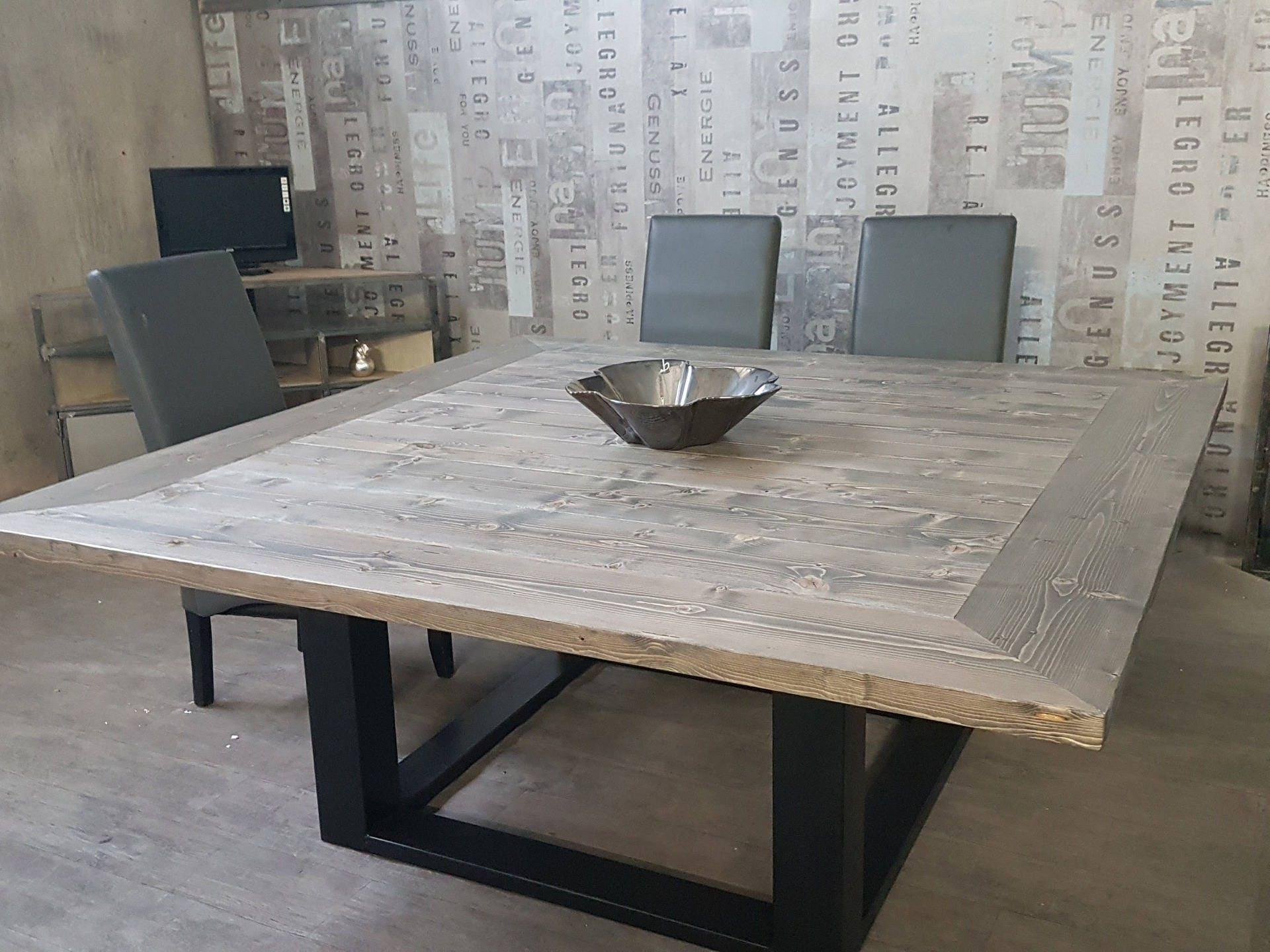 Table de salle manger industriel pied centrale en acier - Table salle a manger acier ...