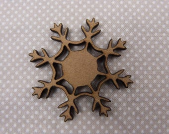About wooden embellishment: snowflake