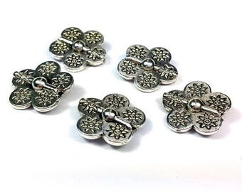 5 beads flat flower in silver, 15mm (pm119)