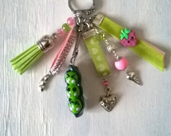 "bag charm or key ring with cabochon ""kawai"" theme"