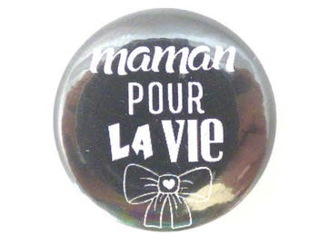 "a magnet button ""mum... ""black and white"