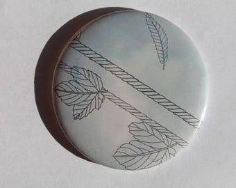 Oak leaf pattern Pocket mirrors
