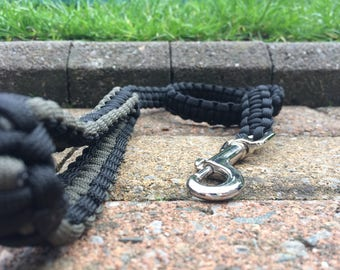 Handmade Paracord Dog Lead - Black and Olive Green - 2.5 ft