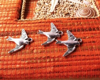 5 pendants antiqued silver tone flying swallow