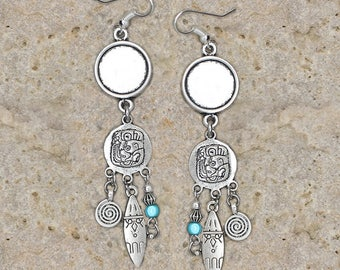 Silver earrings round cabochon 14 mm spiral, bead and shuttle holder