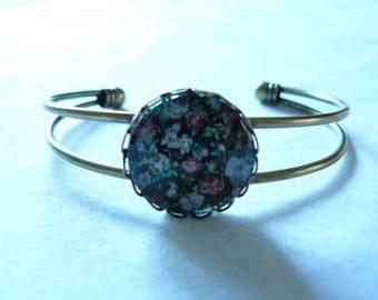 Bracelet metal bronzes and cabochon