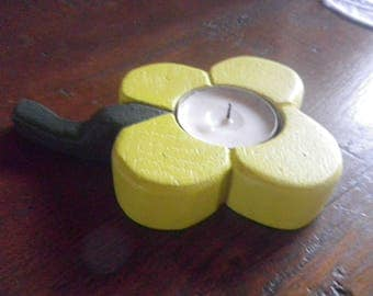 Candle holder flower for small candles