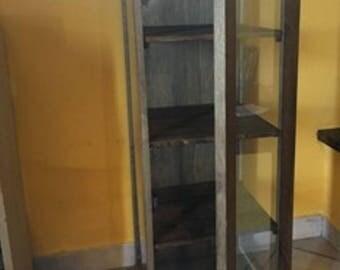 Cabinet pine wood