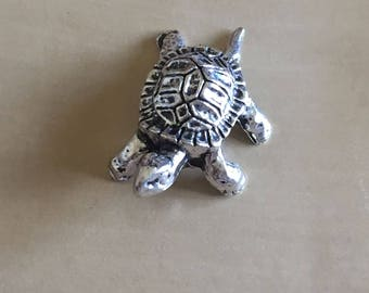 BULK 5 Turtle Tortoise Pendant Antique Silver Beads for Jewelry Making - B24