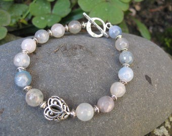 Faceted agate beads and heart bracelet