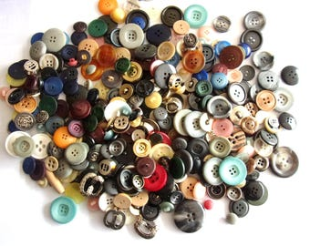 great wholesale lot of 350 different buttons - colours and shapes various REF. 730