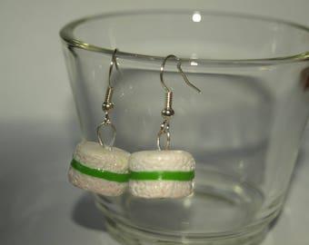 Gourmet vanilla and pistachio macaroon earrings