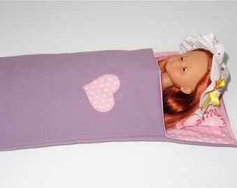 """Lit d'appoint mauve  - sac de couchage  pour poupée de type """"Chérie"""" de chez Corolle"""