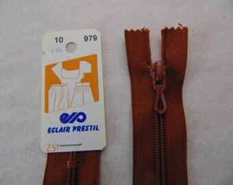 Zip closure, Brown, nylon, 10 cm (Z51 979)