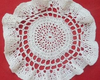 Doily 18 cm diameter crochet ruffled white cotton