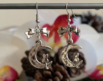 """Jewelry Silver earrings """"cat on Moon""""with knots"""