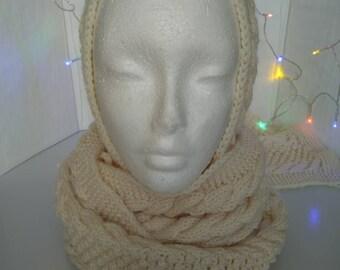 Ecru hooded scarf.