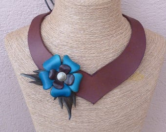 Brown leather necklace in staggered turquoise flowers