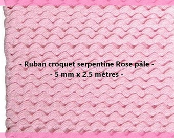 Ribbon serpentine Rose light 5 mm x 2.5 meters.