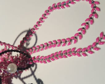 20 cm chain ears based silver and pink color