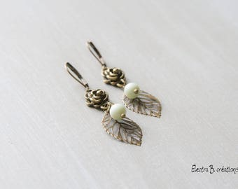 Earrings Bohemian short green pastel Pearl
