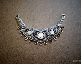 1 large connector half moon Tibetan silver