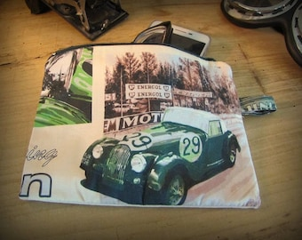 Case of arrangement with pattern British sports cars Morgan No. 29 by deco cars