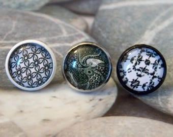 Stud Earrings in baroque cabochons silver