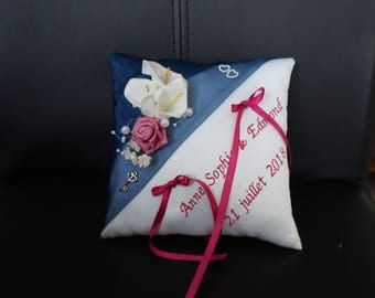 ring cushion alliance blue and fuchsia