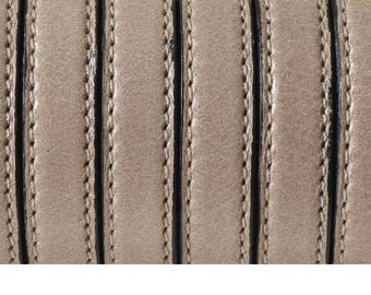 Flat leather with 1st quality stitching, Made in EU - Light Brown - 10 x 2, 4mm - delivered by 20cm