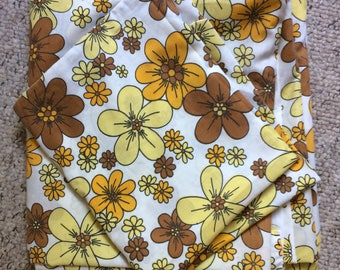 Vintage/retro double size flat sheet and one pillow case