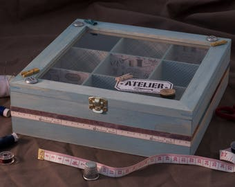 With transparent lid wooden sewing box