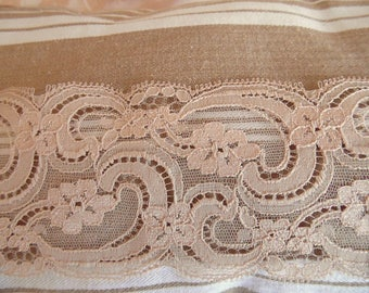 """Spooky"" Old 60 years old beige Calais lace lace Vintage cut of 1 m 90"