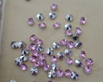 Light pink conical rhinestones 4 / 4.5 mm