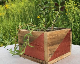 Rustic Pallet wood Succulent Planter, cactus planter, indoor plants, dorm decor, wedding centerpiece, interior design, geometric design