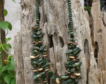 Green wood beads necklace