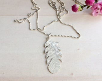 Silver 925 feather pendant necklace
